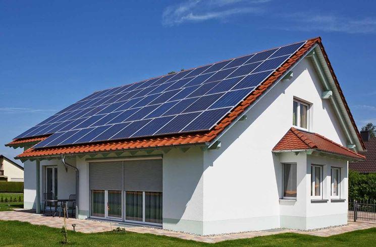 Casa provvista di pannelli solari