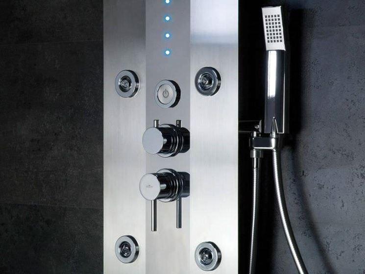 Tipo di colonna doccia con tecnologie moderne