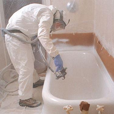 per salvaguardare lo smalto della vasca preesistente in particolare se questo non risulta essere particolarmente usurato si consiglia di effettuare