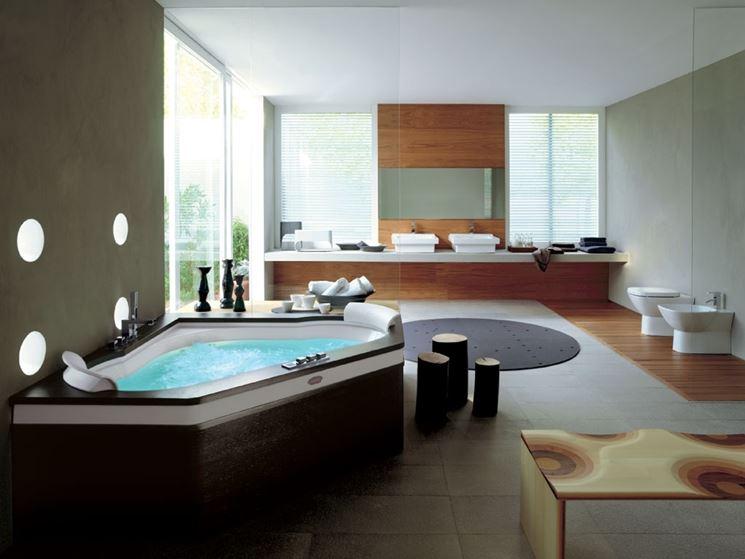Esempio di bagno moderno di lusso