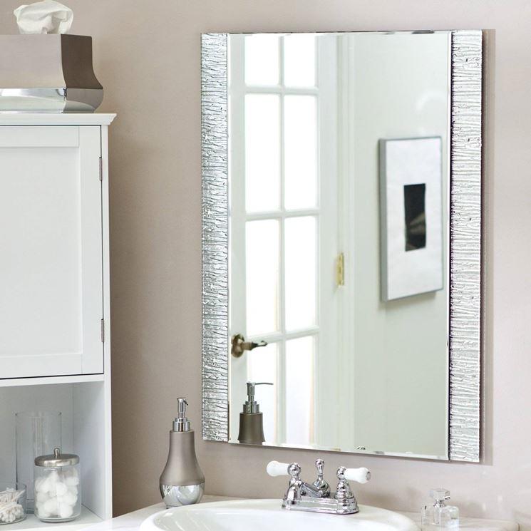 Installare uno specchio in bagno il bagno quando e - Specchio rotondo bagno ...
