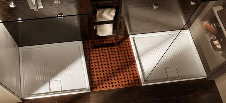 piatti doccia con box trasparente
