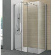 Un elegante box doccia in cristallo
