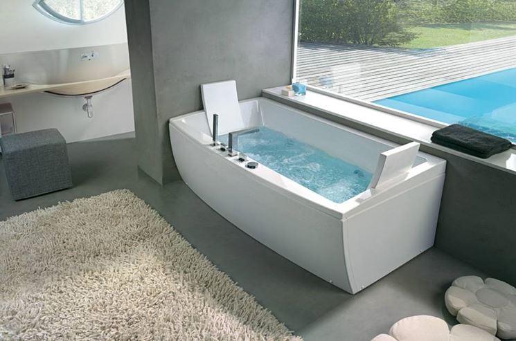 Scegliere la vasca idromassaggio il bagno come - Sognare vasca da bagno ...
