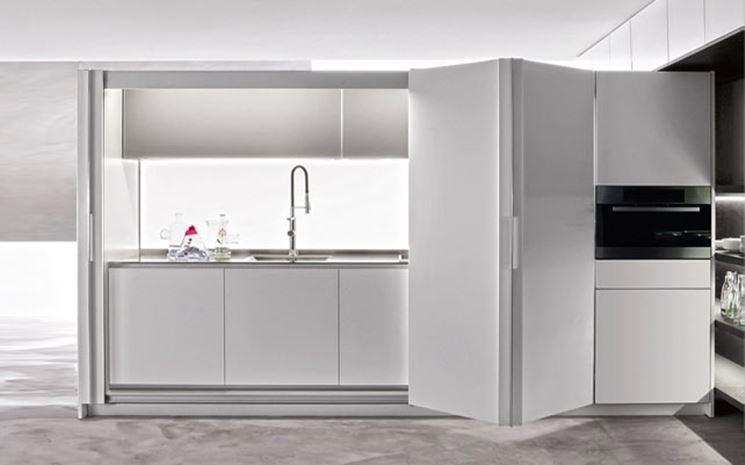 Un esempio di cucina a scomparsa elegante e moderna