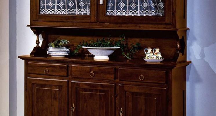 Credenze in cucina la cucina modelli di credenze per la cucina - Vetrina per cucina ...