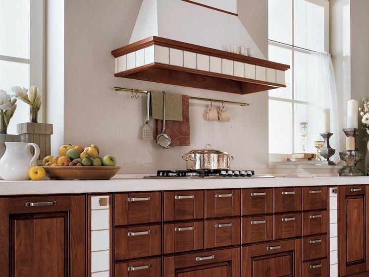 Cucine in legno massello la cucina cucine legno massello - Cucine classiche in legno ...