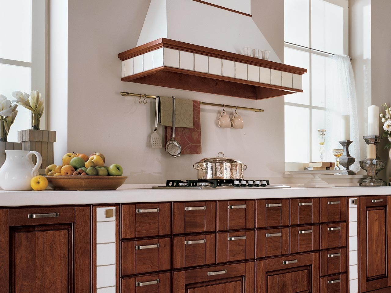 Cucine in legno massello la cucina cucine legno massello - Cucine moderne in legno ...