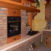 Dettagli di una cucina in muratura rustica
