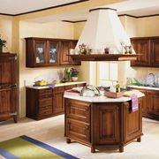 Cucina classica in legno massiccio