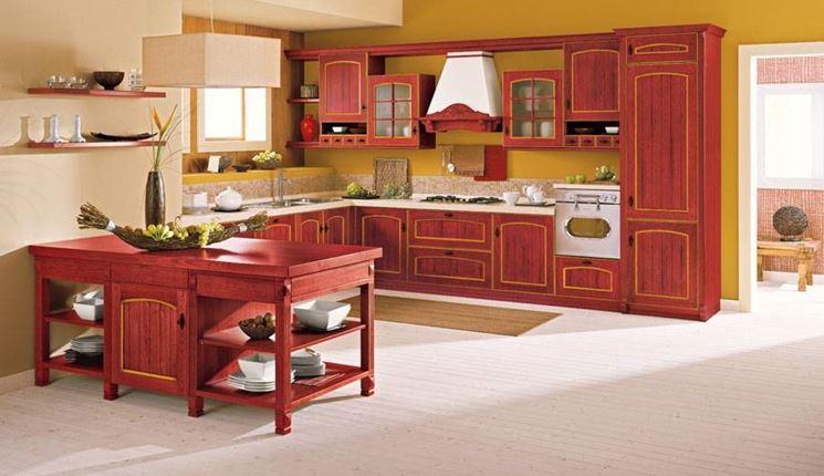 Cucina classica in legno colorato