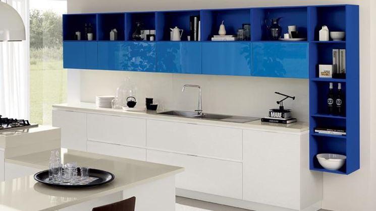 Una moderna cucina in linea