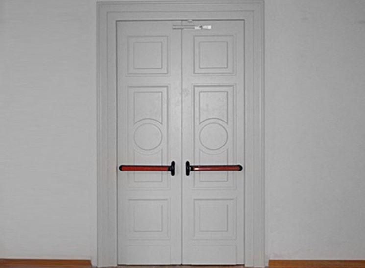 Porte tagliafuoco in legno fai da te le porte come for Porte tagliafuoco