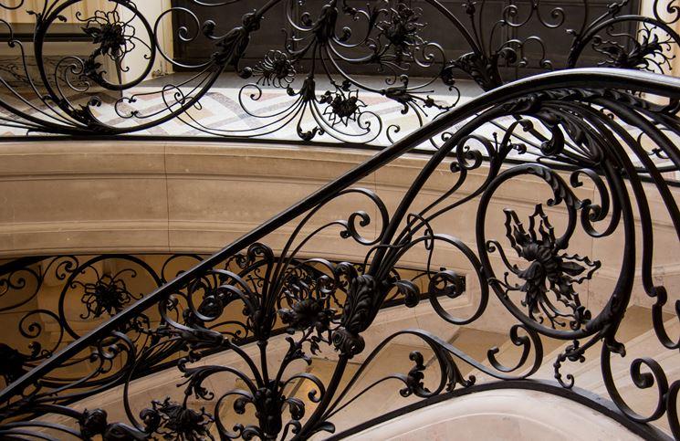 scala in ferro battuto a spirale