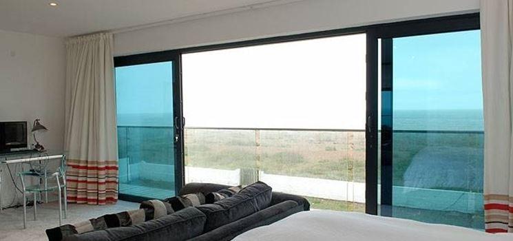 Porte e finestre scorrevoli in alluminio