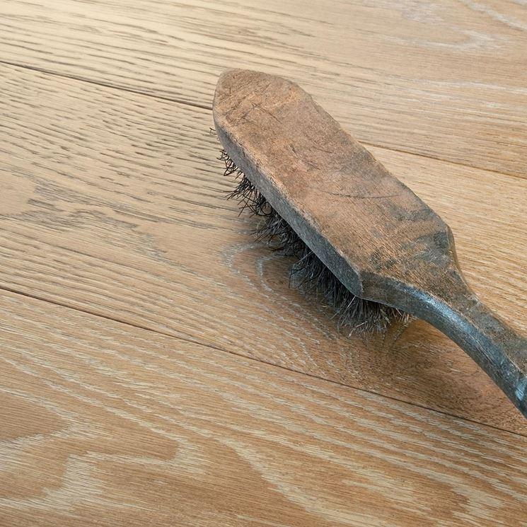 Caratteristiche del parquet spazzolato il parquet - Levigare il parquet senza togliere i mobili ...