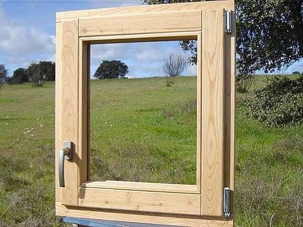 Caratteristiche delle finestre in legno le finestre - Manutenzione finestre in legno ...