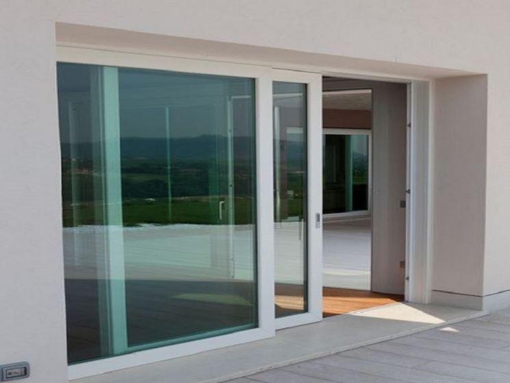 Installare le vetrate scorrevoli le finestre come - Tende per porta finestra scorrevole ...