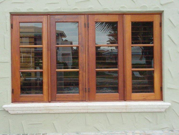 Un bellissimo modello di finestra in legnowww.jdz-bz.com