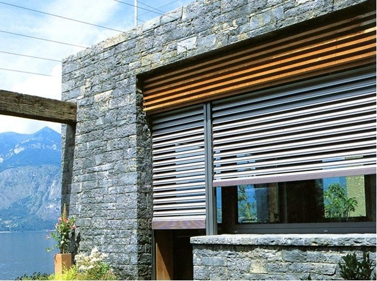 Oscuranti per finestre le finestre oscuranti per for Calcolatore del prezzo della costruzione domestica