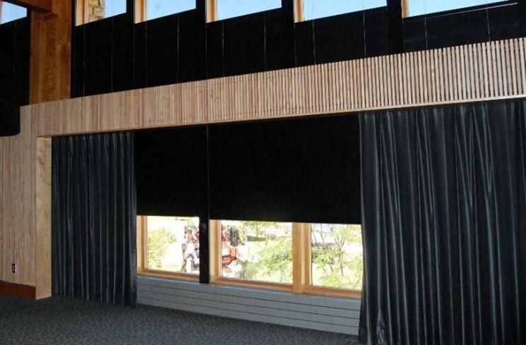 Oscuranti per finestre le finestre oscuranti per - Tende attaccate alle finestre ...
