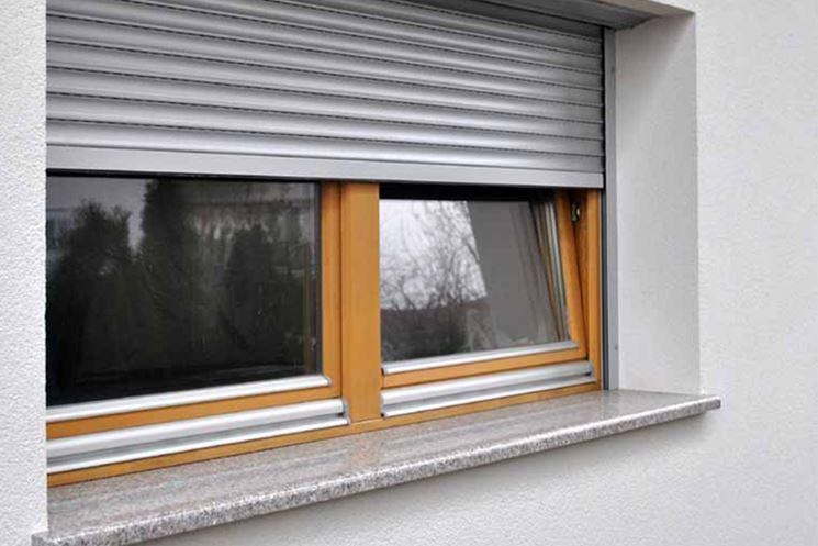 Tapparelle elettriche le finestre caratteristiche for Finestre pvc con tapparelle