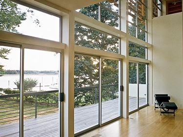 L'alluminio � tra i materiali pi� diffusi nella produzione di finestre