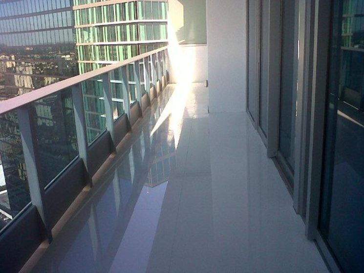 Tipologie di mattonelle per balconi le mattonelle