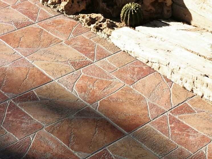 Mattonelle per giardino in cemento. mattonelle per giardino in