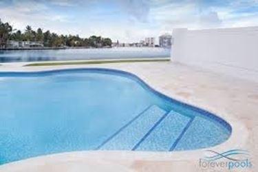Caratteristiche delle piastrelle per esterni le piastrelle caratteristiche delle piastrelle - Piastrelle bordo piscina ...