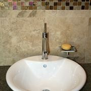 Le piastrelle costose - Posare piastrelle bagno ...