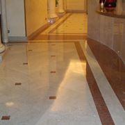 Pavimenti in marmo in una abitazione in stile classico