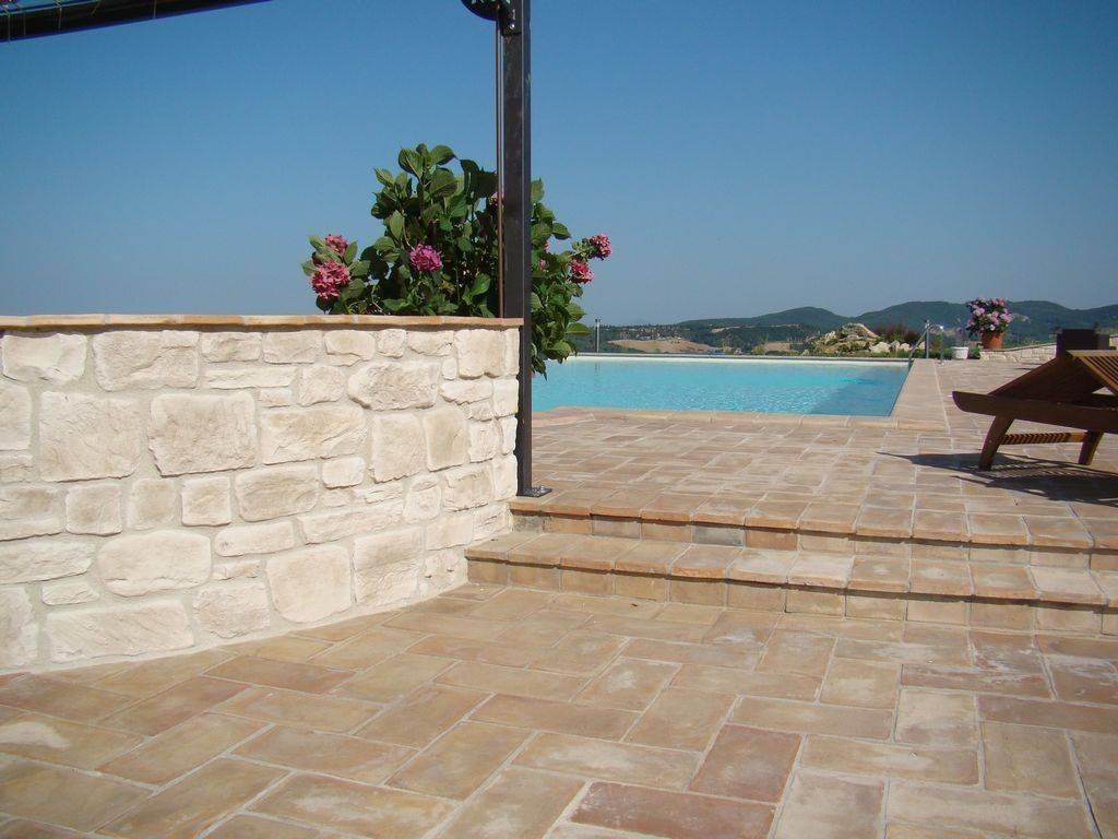 Come scegliere le piastrelle per terrazzi le piastrelle - Materiale per piastrelle ...