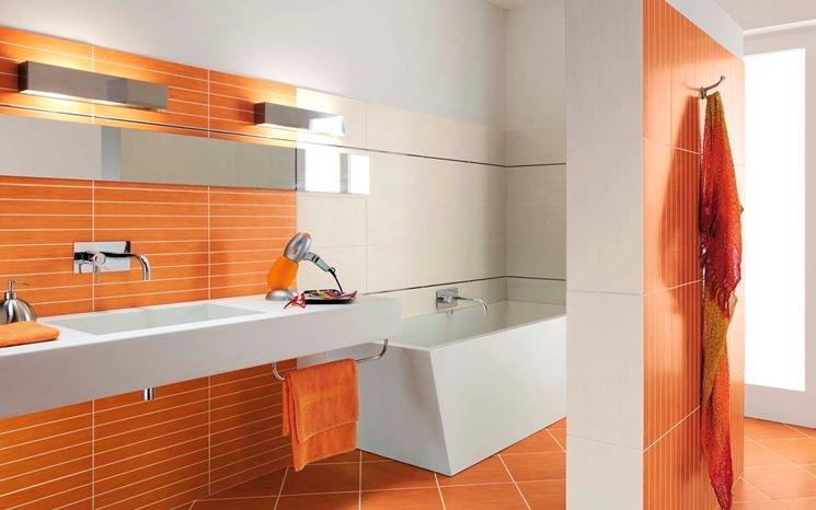 piastrella in ceramica a parete arancione