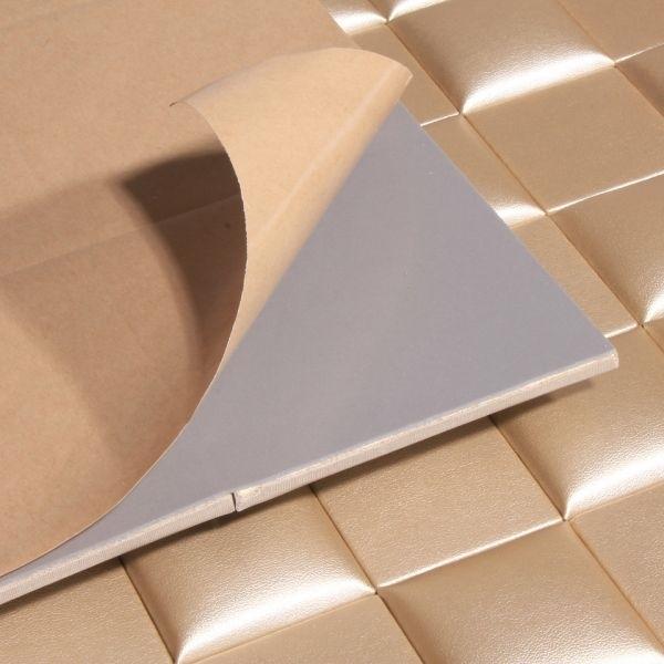 Piastrelle adesive le piastrelle quando utilizzare le piastrelle adesive for Piastrelle parete cucina