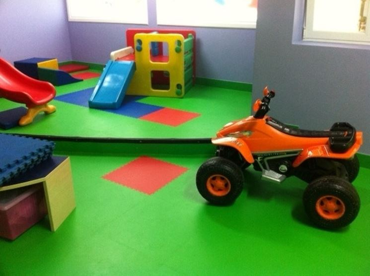 Le piastrelle in PVC possono essere utilizzate come rivestimento delle aree gioco per i bambini