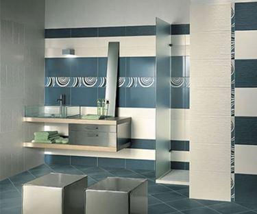 Esiste una variet� di scelta dei rivestimenti del bagno molto ampia