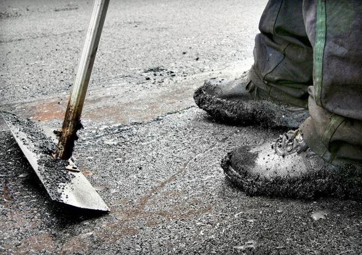 Nel linguaggio comune si confonde spesso bitume, catrame e asfalto