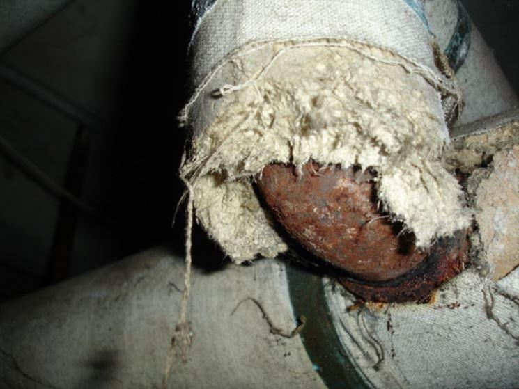 Utilizzo amianto per coibentazione tubazioni