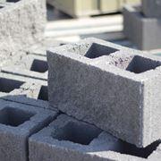 Mattoni in cemento forati