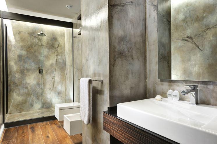 bagno rivestito in microcemento