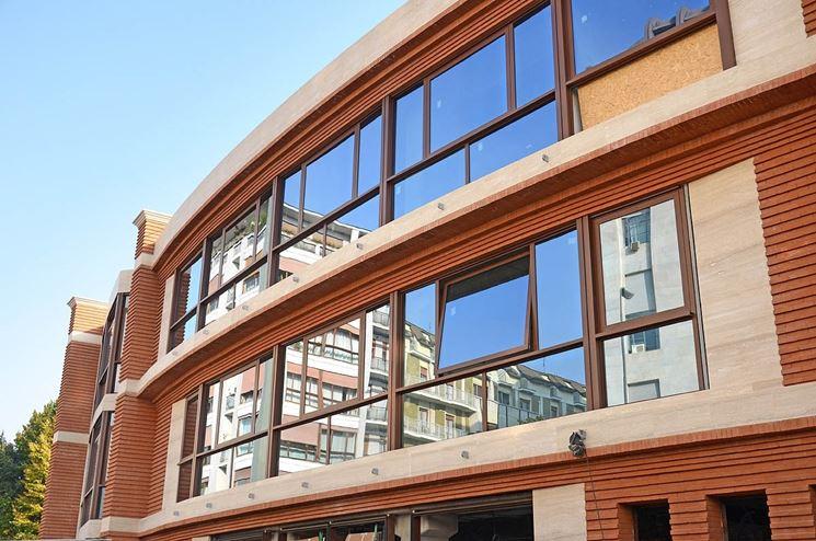 edificio con mattoni a vista
