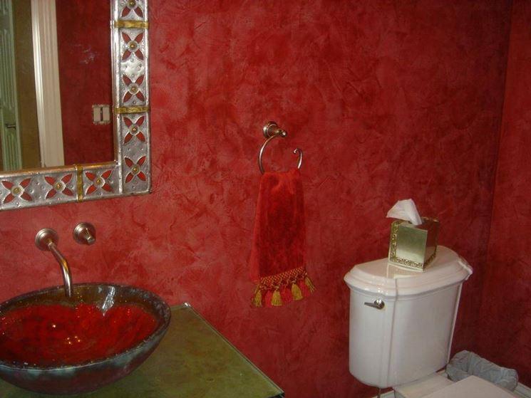 Stanza da bagno con stucco veneziano