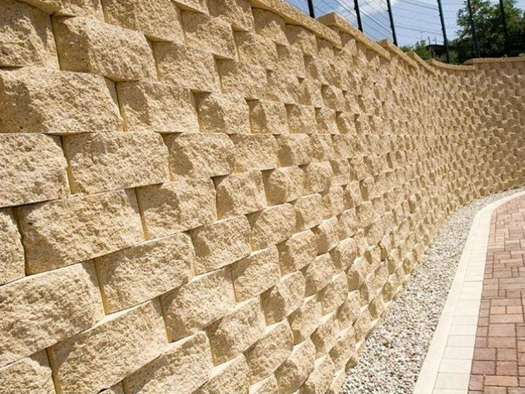 Muro a secco per giardino