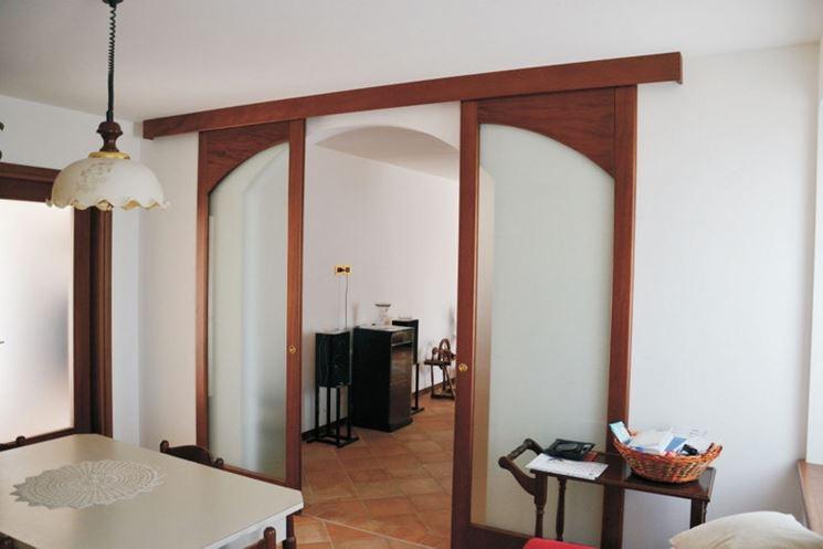 Muri divisori in legno e vetro