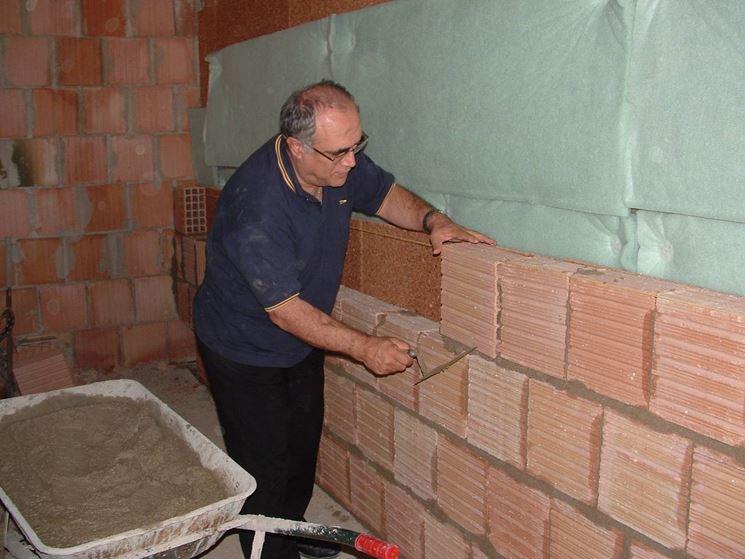 Realizzare un muro di mattoni muri e muratura come for Piani a due piani in mattoni a vista