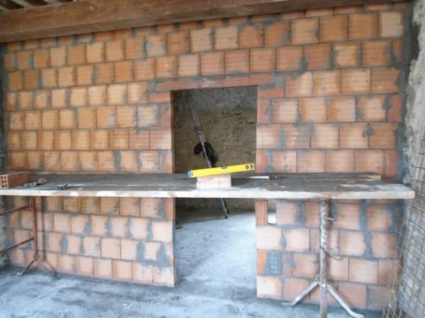 Realizzare un muro di mattoni muri e muratura come for Disegni di blocchi di cemento casa