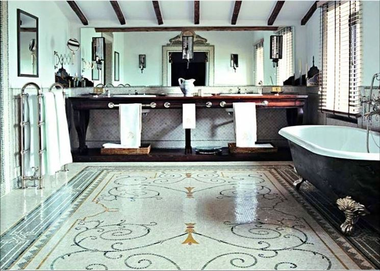 Bagno con mosaico classico