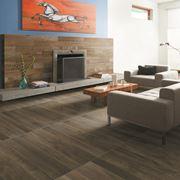 Pavimento effetto legno in soggiorno