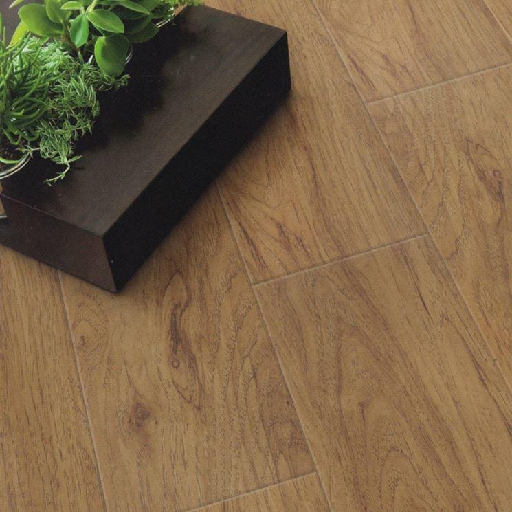 Pavimenti in pvc effetto legno pavimentazioni i for Piastrelle in pvc adesive